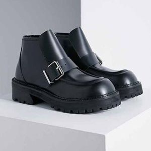 UNIF detention boot
